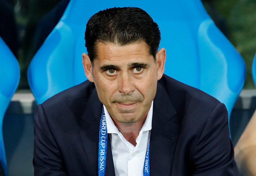Sochi (Russian Federation), 15/06/2018.- The head coach of Spain Fernando Hierro before the FIFA World Cup 2018 group B preliminary round soccer match between Portugal and Spain in Sochi, Russia, 15 June 2018. (RESTRICTIONS APPLY: Editorial Use Only, not used in association with any commercial entity - Images must not be used in any form of alert service or push service of any kind including via mobile alert services, downloads to mobile devices or MMS messaging - Images must appear as still images and must not emulate match action video footage - No alteration is made to, and no text or image is superimposed over, any published image which: (a) intentionally obscures or removes a sponsor identification image; or (b) adds or overlays the commercial identification of any third party which is not officially associated with the FIFA World Cup) (España, Mundial de Fútbol, Rusia) EFE/EPA/RONALD WITTEK EDITORIAL USE ONLY