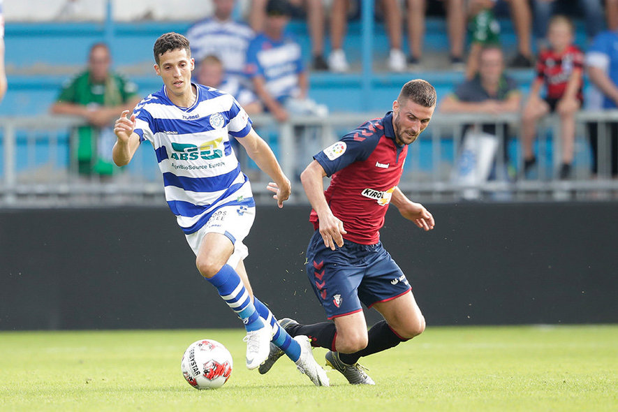 (L-R) *Mohamed Hamdaoui* of De Graafschap , *Oier* of CA Osasuna