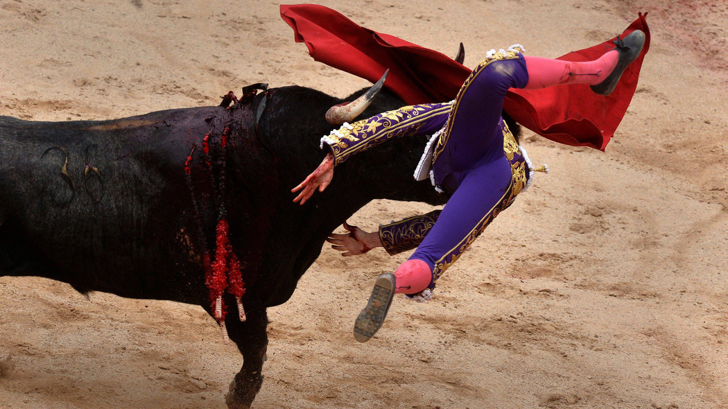 Spanish bullfighter Roman is tossed during a bullfight at the San Fermin festival in Pamplona, Spain, July 7, 2017. REUTERS/Vincent WestCODE: X00957