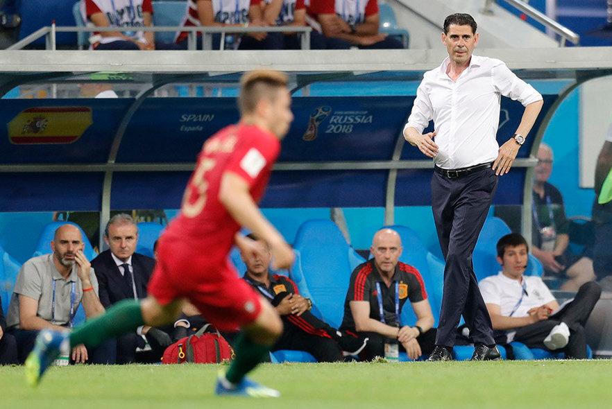 Sochi (Russian Federation), 15/06/2018.- Spain's coach Fernando Hierro reacts during the FIFA World Cup 2018 group B preliminary round soccer match between Portugal and Spain in Sochi, Russia, 15 June 2018. (RESTRICTIONS APPLY: Editorial Use Only, not used in association with any commercial entity - Images must not be used in any form of alert service or push service of any kind including via mobile alert services, downloads to mobile devices or MMS messaging - Images must appear as still images and must not emulate match action video footage - No alteration is made to, and no text or image is superimposed over, any published image which: (a) intentionally obscures or removes a sponsor identification image; or (b) adds or overlays the commercial identification of any third party which is not officially associated with the FIFA World Cup) (España, Mundial de Fútbol, Rusia) EFE/EPA/RONALD WITTEK EDITORIAL USE ONLY