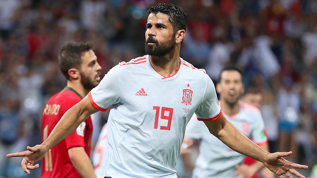 Sochi (Russian Federation), 15/06/2018.- Diego Costa of Spain celebrates after scoring the 2-2 equalizer during the FIFA World Cup 2018 group B preliminary round soccer match between Portugal and Spain in Sochi, Russia, 15 June 2018.