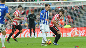 El Athletic y Alavés se reparten los puntos en un intenso derbi vasco en el estadio de San Mamés