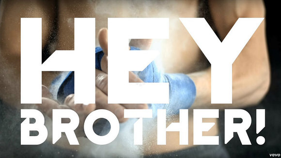 Videoclip Hey Brother.