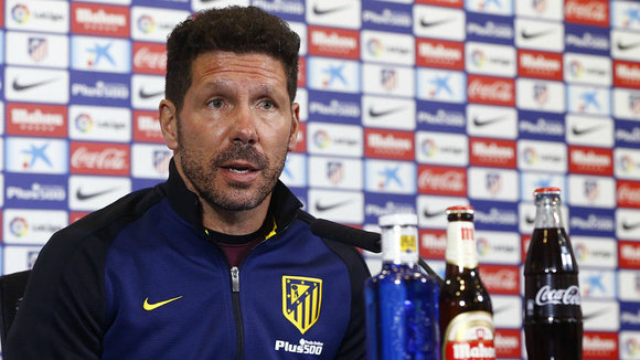 Simeone en la sala de prensa del Calderón. Web At. Madrid.