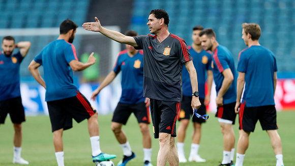 SPB03. Sochi (Russian Federation), 14/06/2018.- Spain's new head coach Fernando Hierro attends a training session at Fisht Stadium in Sochi, Russia, 14 June 2018. Spain will face Portugal in the FIFA World Cup 2018 Group B preliminary round soccer match on 15 June 2018.