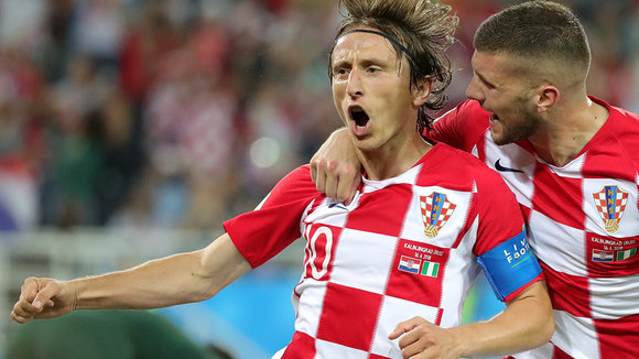 Kaliningrad (Russian Federation), 16/06/2018.- Luka Modric (L) of Croatia celebrates scoring the 2-0 lead from the penalty spot during the FIFA World Cup 2018 group D preliminary round soccer match between Croatia and Nigeria in Kaliningrad, Russia, 16 June 2018.