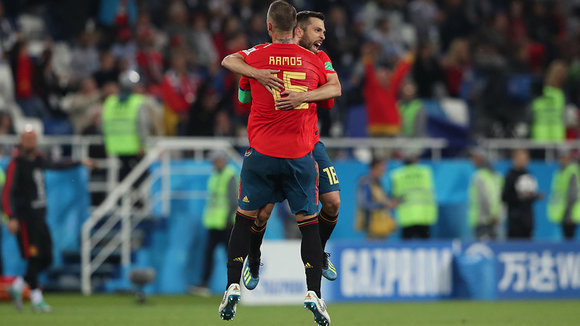 Kaliningrad (Russian Federation), 25/06/2018.- Nacho Monreal (R) and Sergio Ramos of Spain celebrate the 2-2 goal during the FIFA World Cup 2018 group B preliminary round soccer match between Spain and Morocco in Kaliningrad, Russia, 25 June 2018. (RESTRICTIONS APPLY: Editorial Use Only, not used in association with any commercial entity - Images must not be used in any form of alert service or push service of any kind including via mobile alert services, downloads to mobile devices or MMS messaging - Images must appear as still images and must not emulate match action video footage - No alteration is made to, and no text or image is superimposed over, any published image which: (a) intentionally obscures or removes a sponsor identification image; or (b) adds or overlays the commercial identification of any third party which is not officially associated with the FIFA World Cup) (España, Mundial de Fútbol, Kaliningrado, Marruecos, Rusia) EFE/EPA/MARTIN DIVISEK EDITORIAL USE ONLY