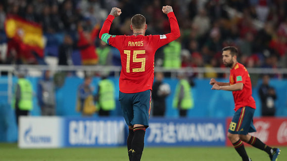 Kaliningrad (Russian Federation), 25/06/2018.- Sergio Ramos of Spain celebrates the 2-2 goal during the FIFA World Cup 2018 group B preliminary round soccer match between Spain and Morocco in Kaliningrad, Russia, 25 June 2018. (RESTRICTIONS APPLY: Editorial Use Only, not used in association with any commercial entity - Images must not be used in any form of alert service or push service of any kind including via mobile alert services, downloads to mobile devices or MMS messaging - Images must appear as still images and must not emulate match action video footage - No alteration is made to, and no text or image is superimposed over, any published image which: (a) intentionally obscures or removes a sponsor identification image; or (b) adds or overlays the commercial identification of any third party which is not officially associated with the FIFA World Cup) (España, Mundial de Fútbol, Kaliningrado, Marruecos, Rusia) EFE/EPA/MARTIN DIVISEK EDITORIAL USE ONLY