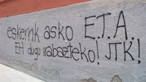 Pintada a favor de la banda terrorista ETA en una pared EUROPA PRESS ARCHIVO