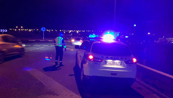 Accidente en la ronda de Pamplona atendido por la Guardia Civil.