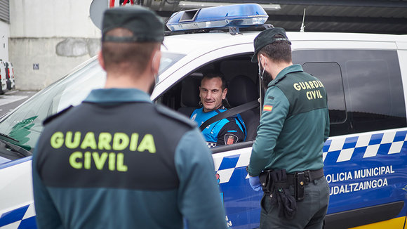 Guardia Civil, junto a Policia Local, en un control de tráfico, EUROPA PRESS