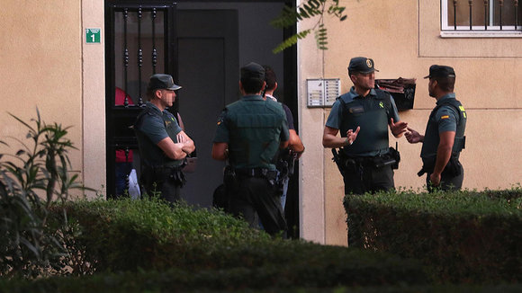 La Guardia Civil registra el domicilio donde se cometió el crimen EUROPA PRESS