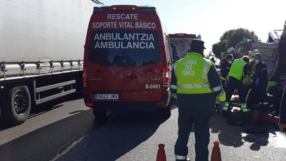 Accidente de tráfico con dos heridos graves en Villafranca. GUARDIA CIVIL