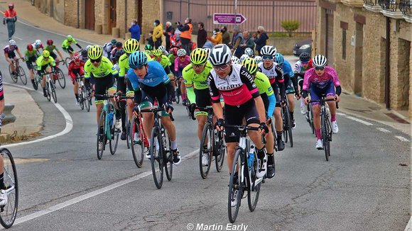 Carrera ciclista junior San Veremundo a su paso por Estella. @martin_early