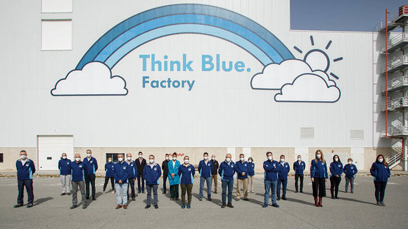 Equipo de Think Blue Factory de Volkswagen Navarra. VW