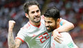 Kazan (Russian Federation), 20/06/2018.- Diego Costa (R) of Spain celebrates with teammate Isco after scoring the opening goal during the FIFA World Cup 2018 group B preliminary round soccer match between Iran and Spain in Kazan, Russia, 20 June 2018. (RESTRICTIONS APPLY: Editorial Use Only, not used in association with any commercial entity - Images must not be used in any form of alert service or push service of any kind including via mobile alert services, downloads to mobile devices or MMS messaging - Images must appear as still images and must not emulate match action video footage - No alteration is made to, and no text or image is superimposed over, any published image which: (a) intentionally obscures or removes a sponsor identification image; or (b) adds or overlays the commercial identification of any third party which is not officially associated with the FIFA World Cup) (España, Mundial de Fútbol, Abierto, Rusia) EFE/EPA/DIEGO AZUBEL EDITORIAL USE ONLY