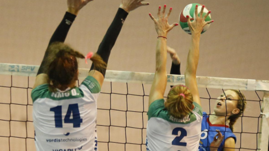 Blocaje de GH Leadernet. Foto web Superliga Femenina.