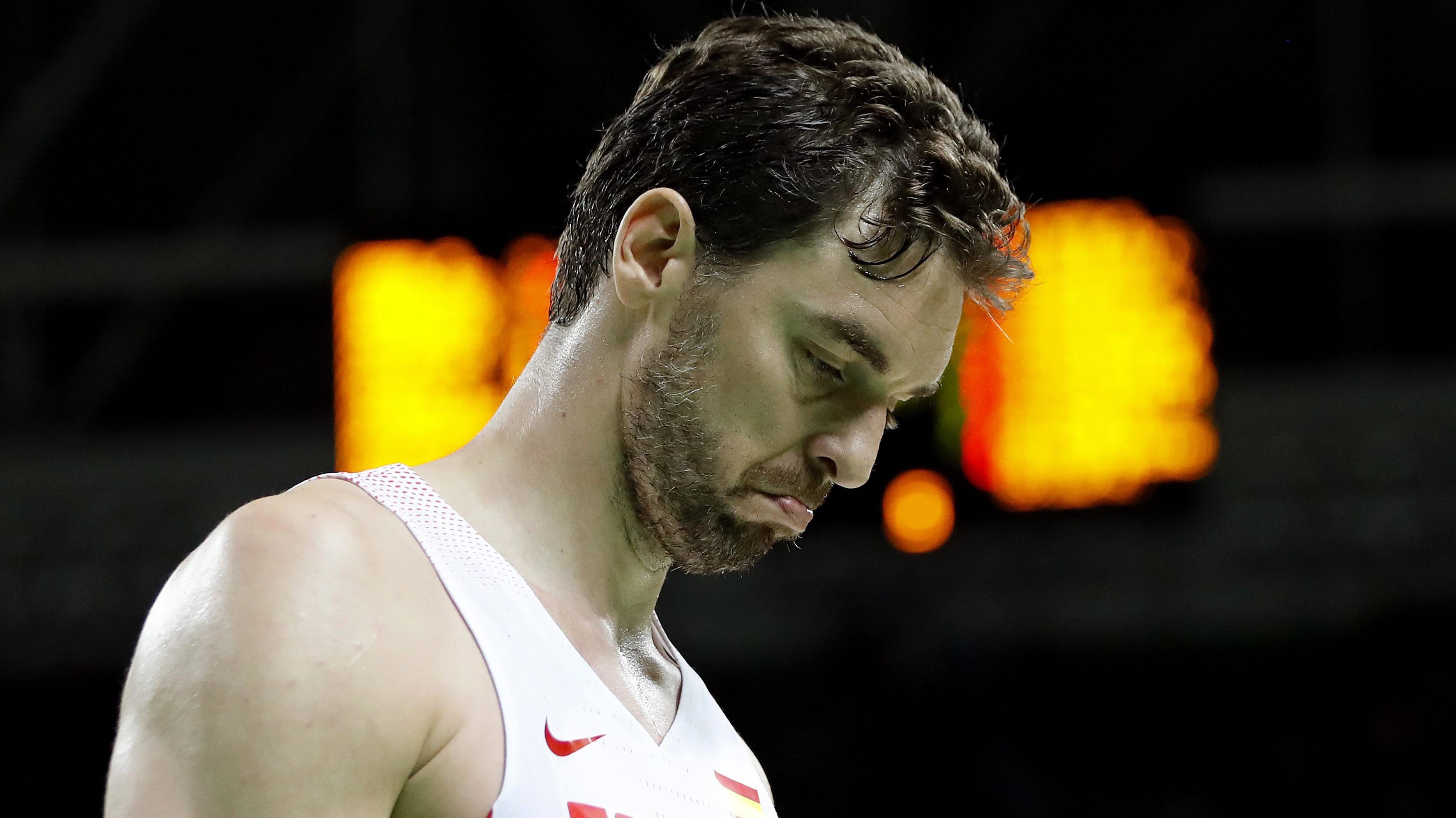 . Rio De Janeiro (Brazil), 09/08/2016.- Pau Gasol Spain reacts after a play against Brazil during the men's basketball game of the Rio 2016 Olympic Games at the Carioca Arena 1 in the Olympic Park in Rio de Janeiro, Brazil, 09 August 2016. (España,