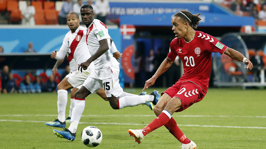 Saransk (Russian Federation), 16/06/2018.- Yussuf Poulsen of Denmark (R) scores the 1-0 during the FIFA World Cup 2018 group C preliminary round soccer match between Peru and Denmark in Saransk, Russia, 16 June 2018.