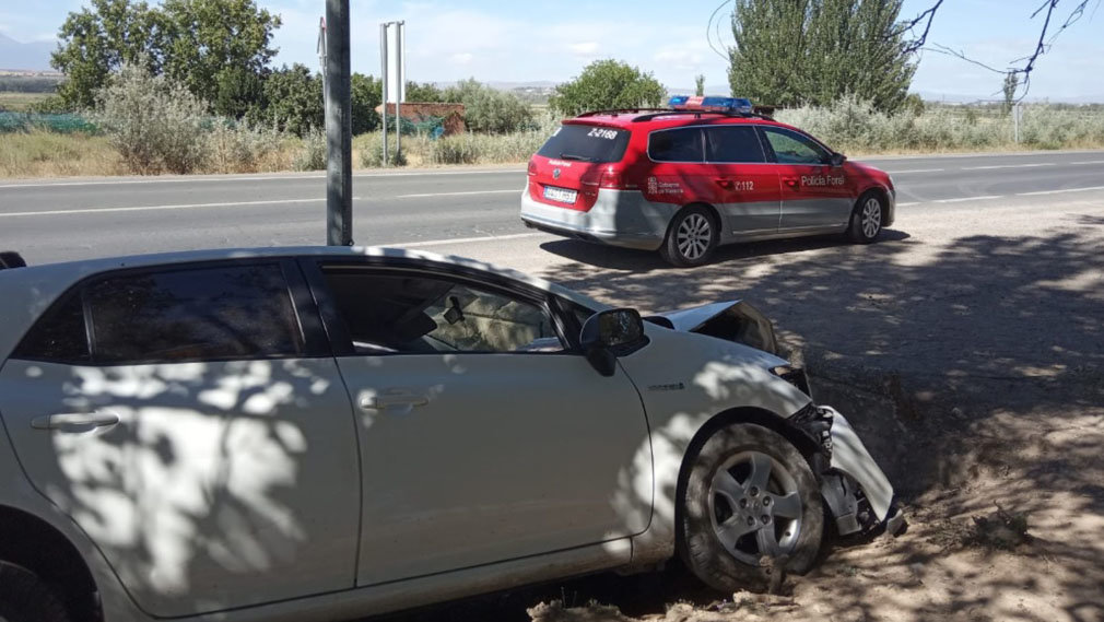 Borracho y sin carné, se accidenta en Caparroso