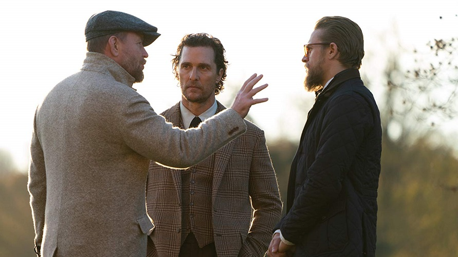 El director Guy Ritchie con Matthew McCounahey y Charlie Hunam