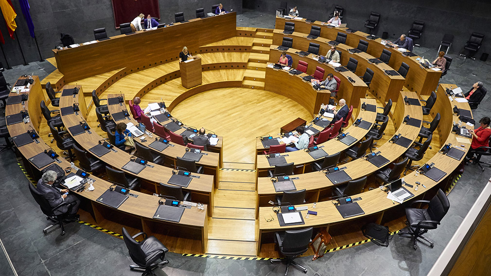 Vista general del pleno en el Parlamento de Navarra. EUROPA PRESS